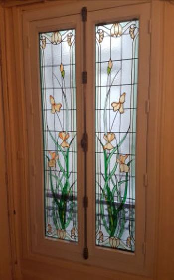 Art nouveau iris