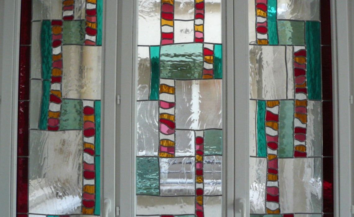 Création de vitrail contemporain pour fenêtres